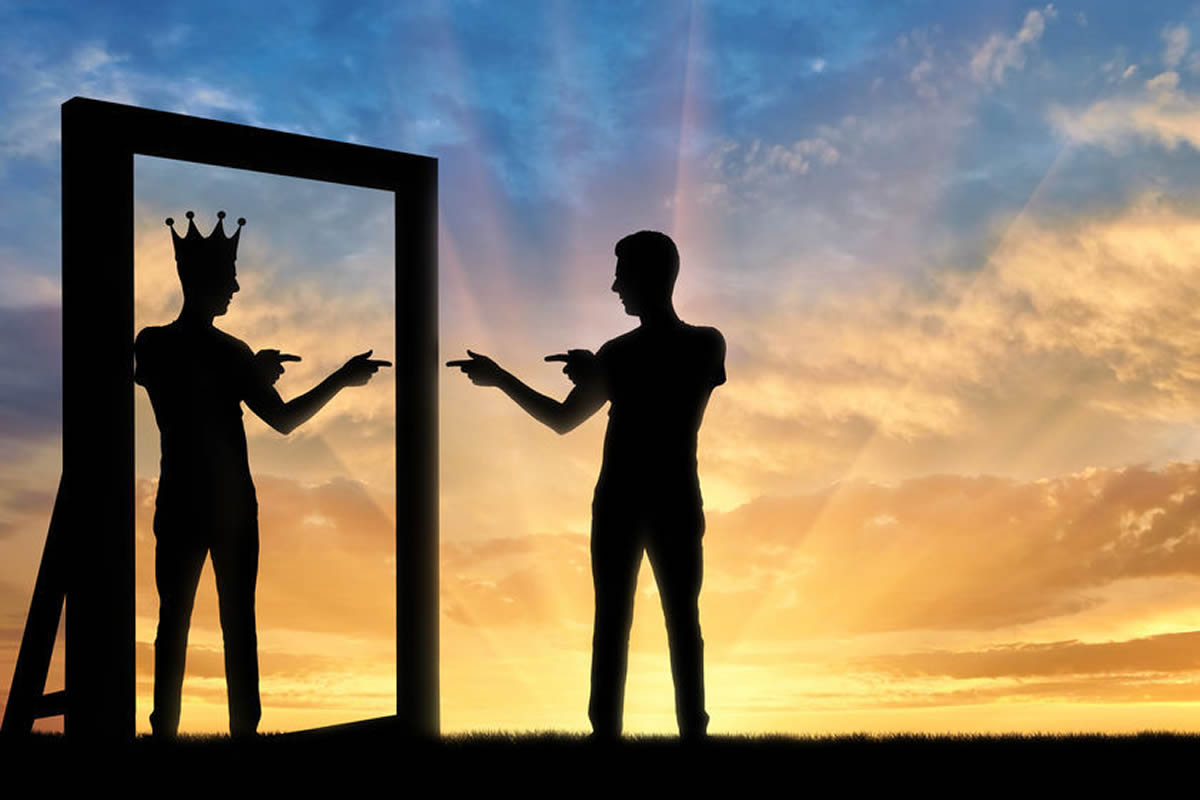 Online Psikolog | Online Terapi Olduklarından Farklı Görünebilme Çabası İçinde Olanlar - Narsisistik Kişilik